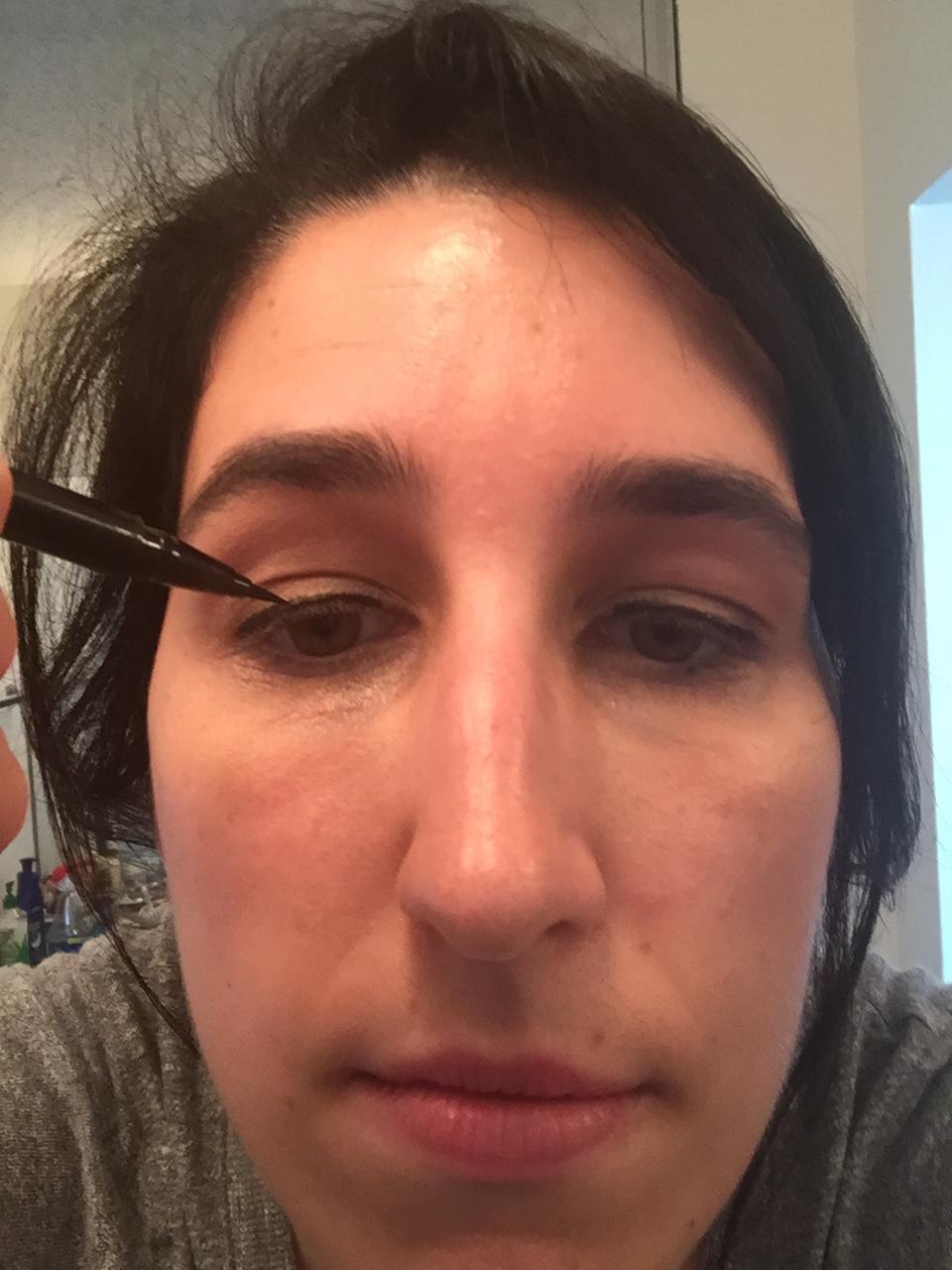 wet eye liner